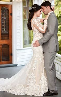 935 Long-Sleeved Floral Patterned Wedding Gown by Martina Liana