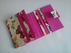 Carteira cartonagem Diy Organization, Organizing, Clutch Pattern, Pouch, Wallet, Fabric Bags, Quilling, Paper Art, Origami