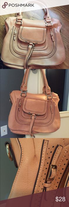 Boutique Purse Pre loved but still has a lot of life! Very unique purse, large size!  From smoke and pet free home. Bags Satchels
