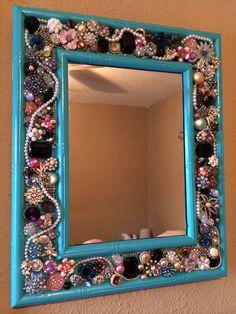 Vintage brooch mirror DIY