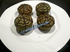 CUPCAKE DI HALLOWEEN                                   CLICCA QUI PER LA RICETTA  http://loscrignodelbuongusto.altervista.org/cupcake-di-halloween/                                          #halloween #CupCakes #recipe #ricette #foodblogger #dolci