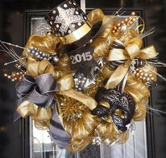 2015 New Years Wreath, New Years Party Decoration, Christmas Gift, Fast Shipping by OccasionsBoutique on Etsy https://www.etsy.com/listing/214266795/2015-new-years-wreath-new-years-party