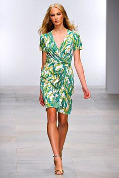 Issa Spring 2012 Ready-to-Wear Collection Photos - Vogue