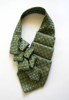 Business Clothing For Women Necktie Scarf Gift For Tie Styles, Scarf Styles, Necktie Quilt, Old Ties, Head Scarf Tying, Scarf Knots, Tie Crafts, Scarf Necklace, Fabric Yarn