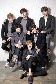 Find images and videos about jun, ukiss and kiseop on We Heart It - the app to get lost in what you love. South Korean Boy Band, Korean Boy Bands, Ukiss Kpop, U Kiss, Vixx, Kpop Groups, Lineup, Bigbang, Kdrama