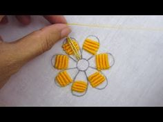 Bead Embroidery Patterns, Hand Embroidery Designs, Beaded Embroidery, Flower Embroidery, Macrame Art, Sewing Stitches, Beaded Flowers, Bead Weaving, Sewing Hacks