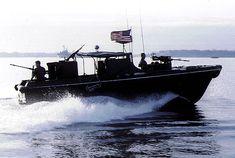 US Navy River Patrol Boat in Vietnam. John Kerry commanded one during his tour in Vietnam. Vietnam History, Vietnam War Photos, Naval History, Military History, Brown Water Navy, E Boat, Us Navy Ships, John Kerry, South Vietnam