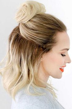For those with long bob hairstyles, you might run out of options. Here is a fun 3-day style guide to keep you going between washings. #longbobhairstyles #hairstyles