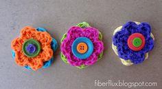 Cute Button Flowers (Free Crochet Pattern and DIY) http://www.fiberfluxblog.com/2013/08/free-crochet-patternbutton-flowers.html