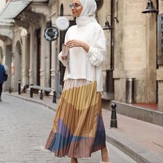 Modern Hijab Fashion, Muslim Women Fashion, Modest Fashion, Girl Fashion, Fashion Outfits, Casual Hijab Outfit, Hijab Dress, Casual Dresses, Modest Wear