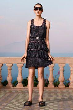 Chanel Resort, Chanel Cruise, Minimalist Gown, Minimalist Dresses, Minimalist Fashion, Minimalist Style, Fashion Week, Fashion 2020, Spring Fashion