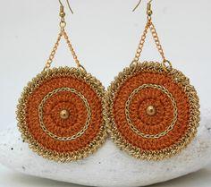Crochet round earrings - Crochet jewelry - Big earrings - Brown and golden earrings - Fashion jewelry - Gift idea -Chain dangle earrings  Aretes, pendientes, zarcillos de ganchillo.