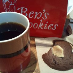 We have Ben's cookies in Seoul!! I ♥it #yummy #benscookies #cookie #sweet #coffee #seoul #korea #wishtrend #webstagram - @wishtrend- #webstagram