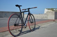 My self built fixie, by Enez_Vihan - July Mers les bains Bicycle, Montage, Veils, Vintage Cycles, Fixed Gear, Urban Bike, Cycling, Winter, Home