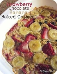 Six Sisters Strawberry Chocolate Banana Baked Oatmeal Recipe on MyRecipeMagic.com  This recipe is really simple to throw together and tastes amazing!