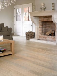Quick-Step Castello wood flooring - 'Whitewashed oak matt' (CAS1353) www.quick-step.com