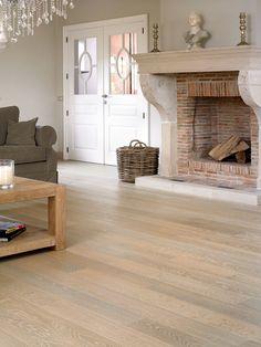 Quick-Step Castello wood flooring - 'Whitewashed oak matt' (CAS1353) www.quick-step.com