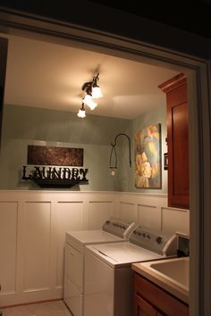 Nice box trim in a laundry room.  You have to spend so much time in there it may as well be pretty!