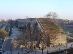 The City Wall of Nanjing was among the largest city walls ever constructed in China, and today it remains in good condition and has been well preserved.