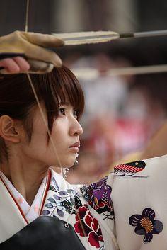 三十三間堂の通し矢(京都) Target shooting at Sanjusangendo Temple, Kyoto, Japan
