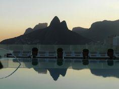 Deslumbrante realmente! A vista da piscina do terraço do Hotel Fasano!