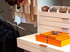 curved corner, LA Closet Design
