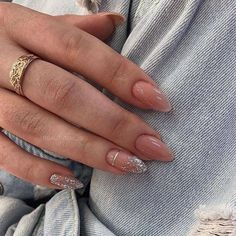 Find images and videos about nails, inspiration and style on We Heart It - the app to get lost in what you love. Stylish Nails, Trendy Nails, Cute Nails, Elegant Nails, Christmas Gel Nails, Holiday Nails, Christmas Holiday, Christmas Candle, Almond Acrylic Nails