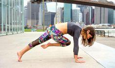 3. One-Legged Plank, Knee-To-Opposite-Elbow
