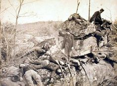 (1863, July) Dead Union soldiers at Devil's Den - Gettysburg, PA