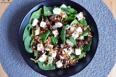 Przepyszna sałatka ze szpinakiem, fetą, suszonymi pomidorami i gruszką! – Eat Me Fit Me! :) Sprout Recipes, Vegetable Salad, Tortellini, Chicken Salad, Diy Food, Cobb Salad, Food And Drink, Cooking Recipes, Meals