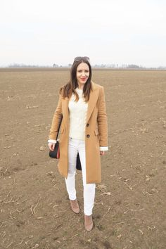 Camel Coat Outfit MaryJay Winter Whites One Trend-Different Styles Camel Coat Outfit, Mode Mantel, Walking Barefoot, Popular Dresses, Winter White, Wool Coat, Different Styles, Classy, Jackets