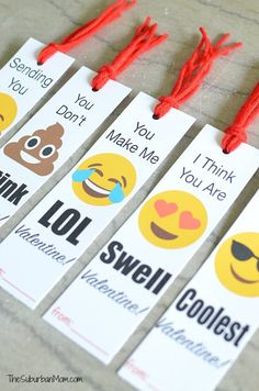 Make your sweetie LOL with these free printable Emoji Bookmark Valentine's Day Cards. Emoji Valentines are easy class valentines and gift in one. Diy Valentine's Bookmarks, Printable Valentine Bookmarks, Emoji Bookmarks, Bookmark Ideas, Printable Party, Valentines Day Book, Homemade Valentines, Valentines For Kids, Valentine Day Cards