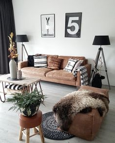 Having small living room can be one of all your problem about decoration home. To solve that, you will create the illusion of a larger space and painting your small living room with bright colors c… My Living Room, Apartment Living, Home And Living, Living Spaces, Modern Living, Minimalist Living, Apartment Interior, Minimalist Decor, Cozy Apartment
