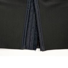 The hook of black body shaper pants Custom Sportswear, Short Torso, Body Curves, Improve Posture, New Fashion Trends, Black Body, Private Label, Workout Wear, Thighs