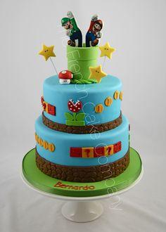 Super Mario and Luigi Cake Gâteau Super Mario & Luigi Bolo Super Mario, Super Mario And Luigi, Super Mario Party, Mario Bros Y Luigi, Mario Bros Cake, Mario Birthday Cake, Super Mario Birthday, Luigi Cake, Novelty Cakes