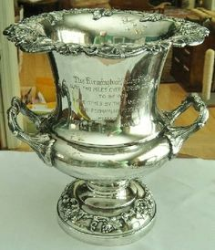 Silverplated LOVING CUP FARMINGTON HORSE TROPHY CHAMPAGNE ICE BUCKET Sold for $382.00 Bidders 9