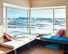 Norvégia, nyári hegyi lak Jotunheimen. Tervezte: Torbjørn Tryti. Egyszerű, skandináv luxus, természetszerető embereknek. Minimál stílus, mert a lényeg a kilátás.