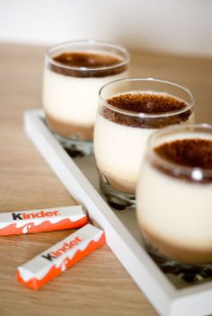 A desire for regressive dessert … A Kinder box in the closet … And bing! Here they are transformed into pretty little verrines of tiramisu. Delicious Desserts, Dessert Recipes, Yummy Food, Eat Dessert First, Love Food, Sweet Recipes, Bakery, Food And Drink, Cooking Recipes