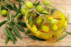 """The University of Florence has found that extra virgin olive oil rich in polyphenols is associated with """"strong"""" improvements in coordination, memory and anxiety-related behavior! So, supplementing your diet with #EVOO may beneficially affect brain function. http://olivefusionstore.com  #oliveoil #extravirginoliveoil #brainfunction #healthyeating #healthyliving"""