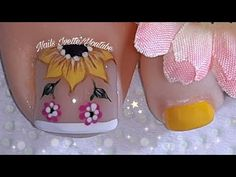 Toe Nail Art, Toe Nails, Beautiful Toes, Toe Nail Designs, Winter Nails, Nail Arts, Manicure And Pedicure, Nail Polish, Lily