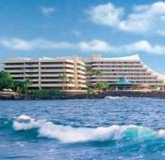 Waves at Royal Kona Resort #Hawaii #travel