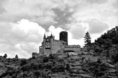 castles in romantic germany - the rhineland-palatinate | is a castle above the German town of St. Goarshausen in Rhineland ...