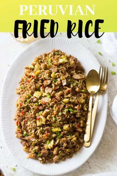 Arroz Chaufa is Peru's version of Chinese fried rice. The rice is filled with bell peppers, green onions, red onions, garlic, soy sauce and more! Best Side Dishes, Side Dish Recipes, Rice Recipes, Cooking Recipes, Water Recipes, Yummy Recipes, Main Dishes, Chicken Recipes, Yummy Food