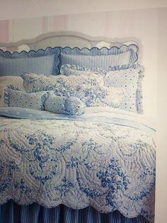 White Bedroom Furniture, Blue Bedroom, Bedroom Colors, Interior Design Living Room, Bedroom Decor, Furniture Decor, Bedroom Ideas, Blue Girls Rooms, Blue And White Bedding