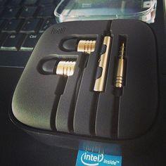 mi earphones Giveaways