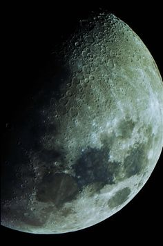 I took a hi-res pic of the moon