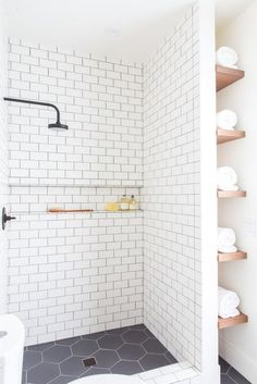 subway tiles with cubby