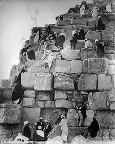 Fascinating vintage photos show Victorian tourists at Egypt s pyramids 6620282ce