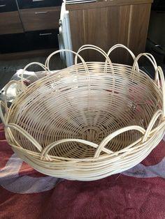 Peddigrohr Korb Wicker Baskets, Home Decor, Diy Home Crafts, Basket, Homemade Home Decor, Decoration Home, Woven Baskets, Interior Decorating
