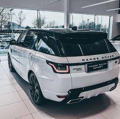 The Range Rover Sports is a fascinating sport car. it is a deadly car of range rover series. Range Rover Sport, Range Rovers, Range Rover White, Dream Cars, My Dream Car, Bugatti, Lamborghini Miura, Bmw Autos, Bmw X5